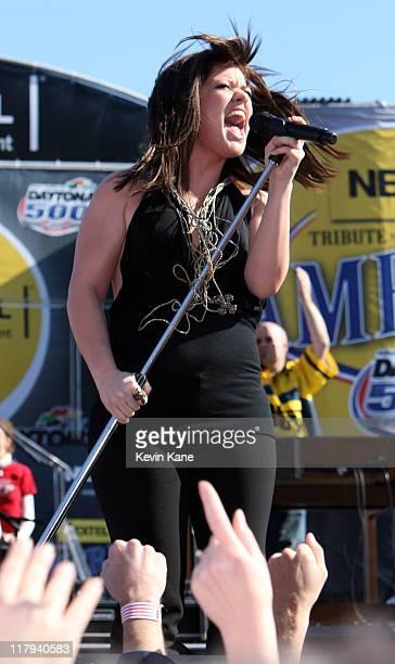 Kelly Clarkson performs prerace at the NASCAR Nextel Cup Series Daytona 500 Daytona Beach Florida February 18 2007