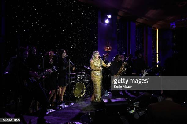 Kelly Clarkson performs songs from her new album 'Meaning of Life' at The Rainbow Room on September 6 2017 in New York City