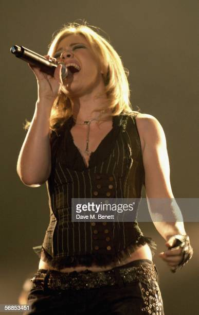 Kelly Clarkson rehearses ahead of The Brit Awards 2006 with MasterCard at Earls Court 1 on February 15 2006 in London England The 26th annual music...