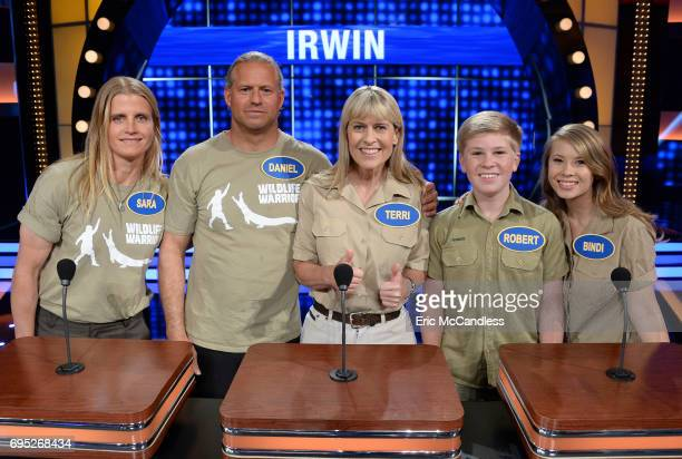 FEUD 'Kelly Clarkson vs Amy Schumer and Bindi Irwin vs Chrissy Metz' The celebrity families competing to win cash for their charities feature the...
