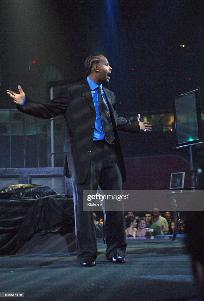 R  Kelly during 2005 MTV Video Music Awards - Rehearsals