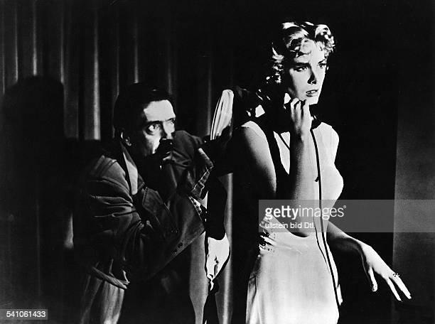 Kelly Grace *Schauspielerin USAGracia Patricia als Fuerstin von Monaco 19561982 mit Anthony Dawson in dem Film 'Bei Anruf Mord' 1955