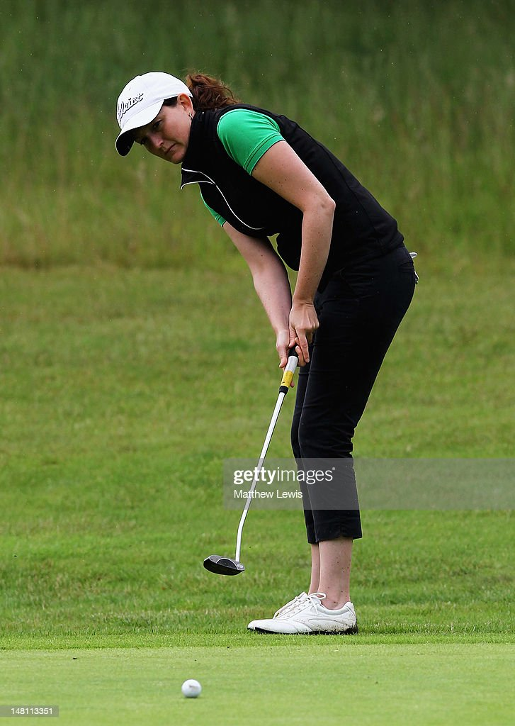 Kelly Hanwell Of Rugby Golf Club Makes A Putt Onthe 5th Green During News Photo Getty Images