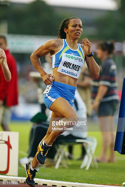 Kelly Holmes of Great Britain in action during the women's 1500 metres race at the IAAF Golden Spike meet in Ostrava Czech Republic