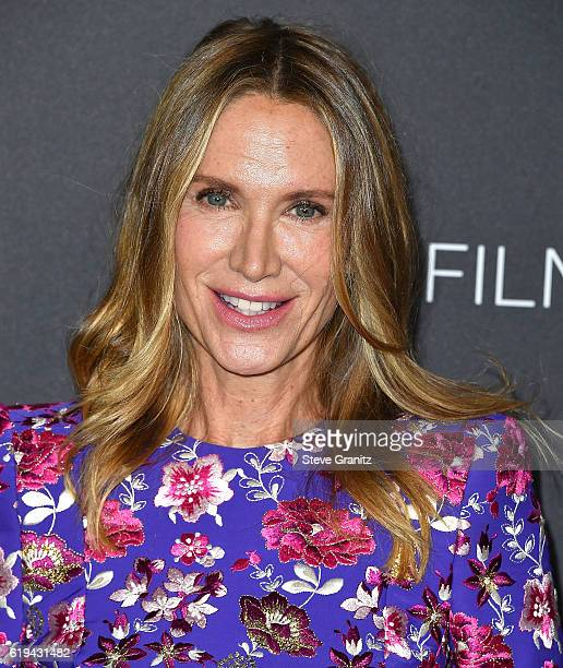 Kelly Lynch arrives at the 2016 LACMA Art Film Gala Honoring Robert Irwin And Kathryn Bigelow Presented By Gucci at LACMA on October 29 2016 in Los...