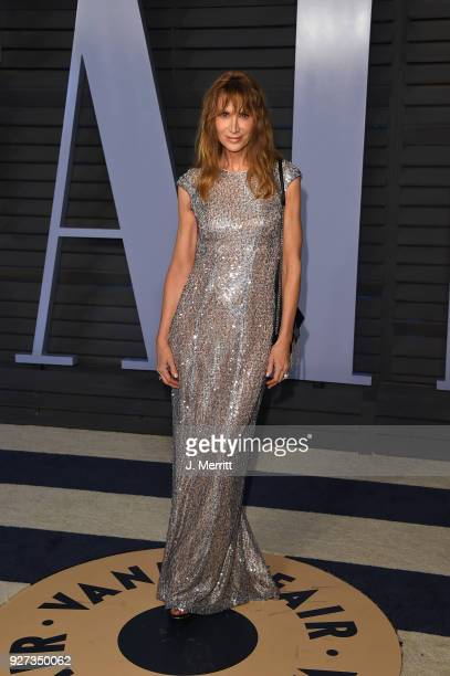 Kelly Lynch attends the 2018 Vanity Fair Oscar Party hosted by Radhika Jones at the Wallis Annenberg Center for the Performing Arts on March 4, 2018...
