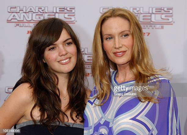 """Kelly Lynch & Daughter during """"Charlie's Angels 2 - Full Throttle"""" Premiere at Mann's Chinese Theater in Hollywood, California, United States."""