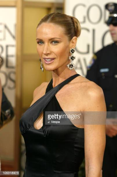 Kelly Lynch during The 61st Annual Golden Globe Awards Arrivals at The Beverly Hilton in Beverly Hills California United States