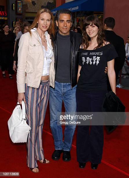Kelly Lynch Mitch Glazer Daughter during The World Premiere of Bruce Almighty at Universal Amphitheatre in Universal City California United States