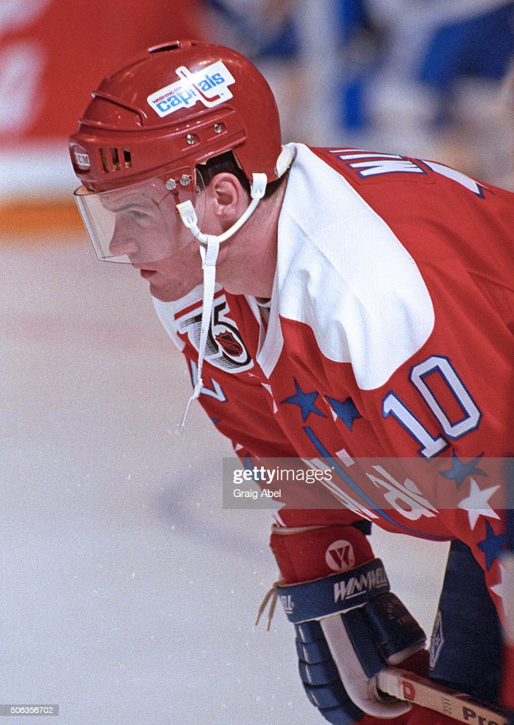 Kelly Miller #10 of the Washington Capitals skates in warmup prior to a game against the Toronto Maple Leafs at Maple Leaf Gardens in Toronto, Ontario, Canada on October 9, 1991. (Photo by Graig Abel Collection/Getty Images))