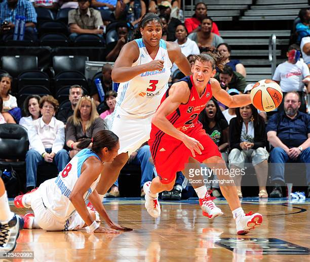 Kelly Miller of the Washington Mystics drives against the Atlanta Dream at Philips Arena on September 2 2011 in Atlanta Georgia NOTE TO USER User...