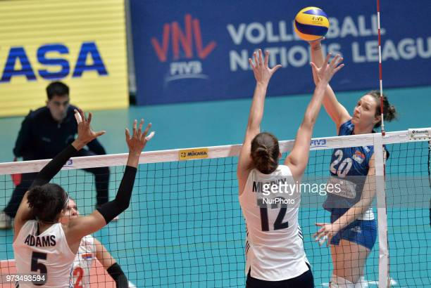 Kelly Murphy of USA and JELENA BLAGOJEVIC of Serbia in action during FIVB Volleyball Nations League on 12 June 2018 in Santa Fe Argentina The US...