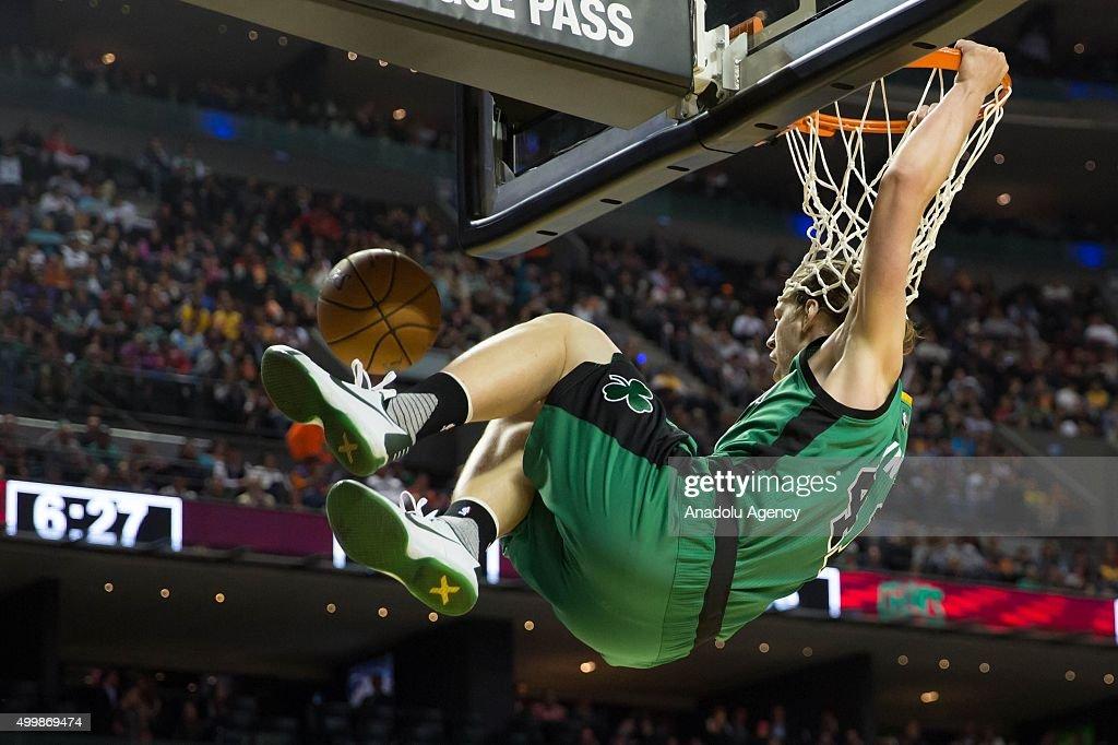 Sacramento Kings vs Boston Celtics : News Photo
