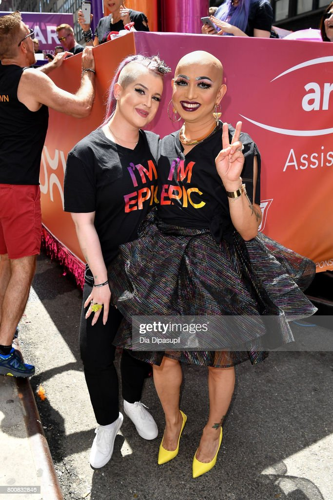 Kelly Osbourne (L) and Ongina ride the amfAR #BeEpicEndAIDS float during the 2017 New York City Pride March on June 25, 2017 in New York City.