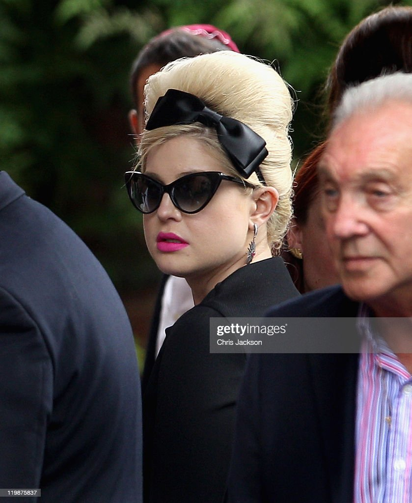 Kelly Osbourne arrives for the cremation of Amy Winehouse at Golders Green Crematorium on July 26, 2011 in London, England. Winehouse was found dead in her flat in North London July 23, 2011.