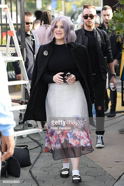 Kelly Osbourne visits 'Extra' at Universal Studios Hollywood on January 14 2016 in Universal City California