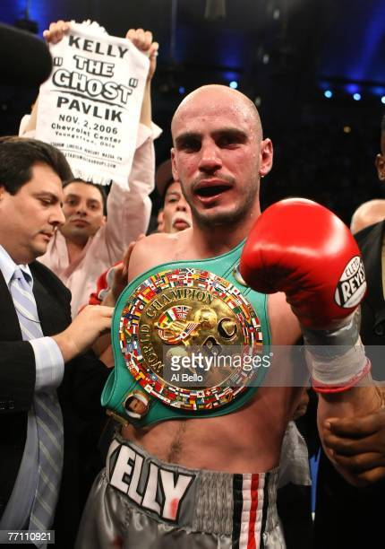 Kelly Pavlik celebrates his victory over Jermain Taylor during their WBC WBO World Middleweight Championship fight at Boardwalk Hall on September 29...