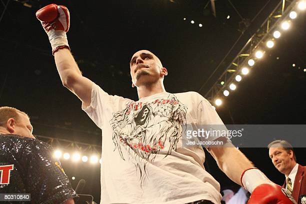 Kelly Pavlik stands in the ring before his fight against Jermain Taylor at the MGM Grand Garden Arena on February 16, 2008 in Las Vegas, Nevada.