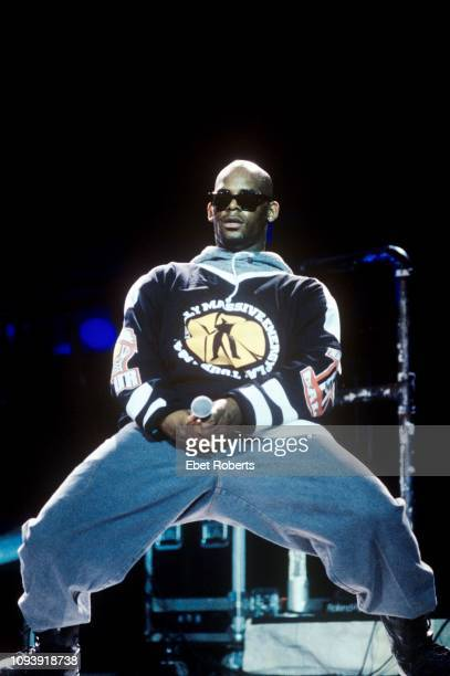 R Kelly performing at Radio City Music Hall in New York City on May 27 1994