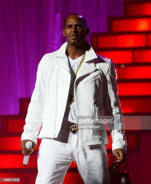 R Kelly performs at MSG Theater on November 21 2012 in New York City