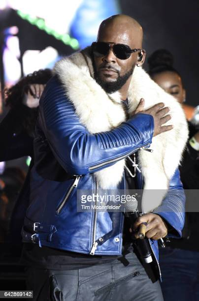 R Kelly performs during Soulquarius 2017 at The Observatory on February 18 2017 in Santa Ana California
