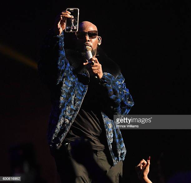 R Kelly Performs During the Hliday Jam at Fox Theater on December 27 2016 in Atlanta Georgia