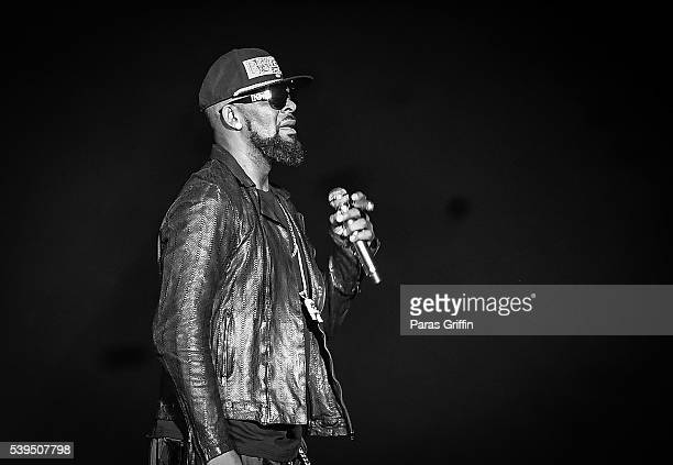 R Kelly performs in concert at Philips Arena on June 11 2016 in Atlanta Georgia