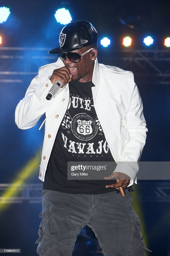 R Kelly performs in concert during day 3 of the 2013 Bonnaroo Music & Arts Festival on June 15, 2013 in Manchester, Tennessee.