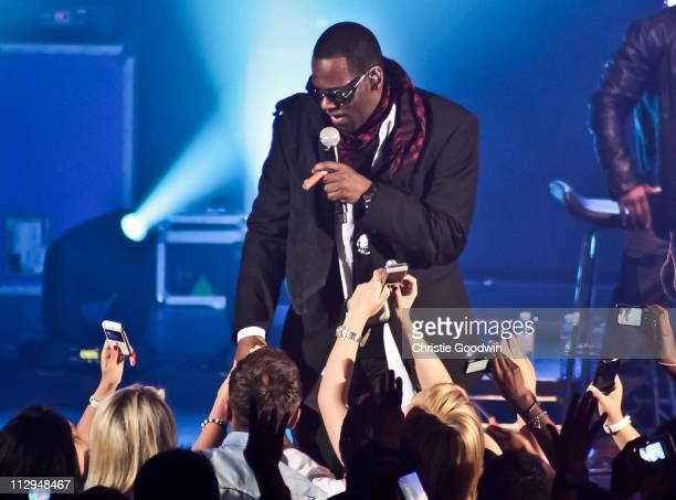 Kelly performs on stage at Hammersmith Apollo on April 22 2011 in London United Kingdom