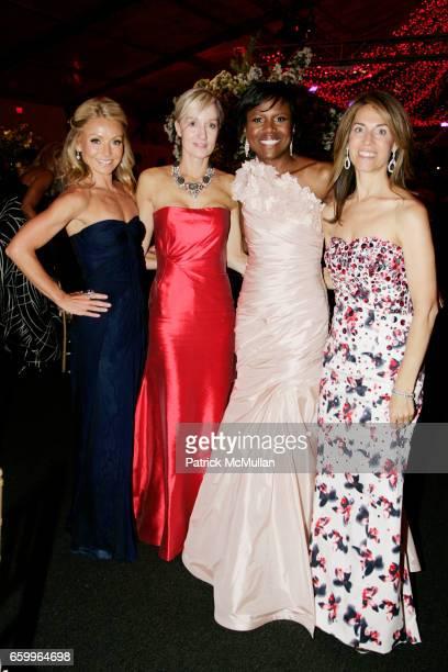 Kelly Ripa Hilary Gumbel Deborah Roberts and Caryn Zucker attend AMERICAN BALLET THEATRE Annual Spring Gala Dinner at The Metropolitan Opera House on...