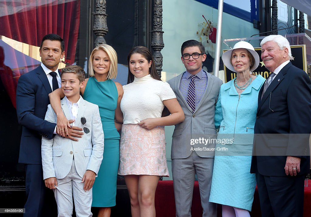 Kelly Ripa Honored With Star On The Hollywood Walk Of Fame : News Photo