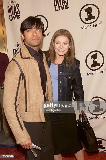 Kelly Ripa with husband Mark Consuelo arrive at the 'VH1 Divas Live The Only and Only Aretha Franklin' concert at Radio City Music Hall in New York...