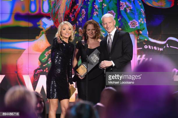 Kelly Ripa2017 CNN Hero of the year Amy Wright and Anderson Cooper speak onstage during CNN Heroes 2017 at the American Museum of Natural History on...