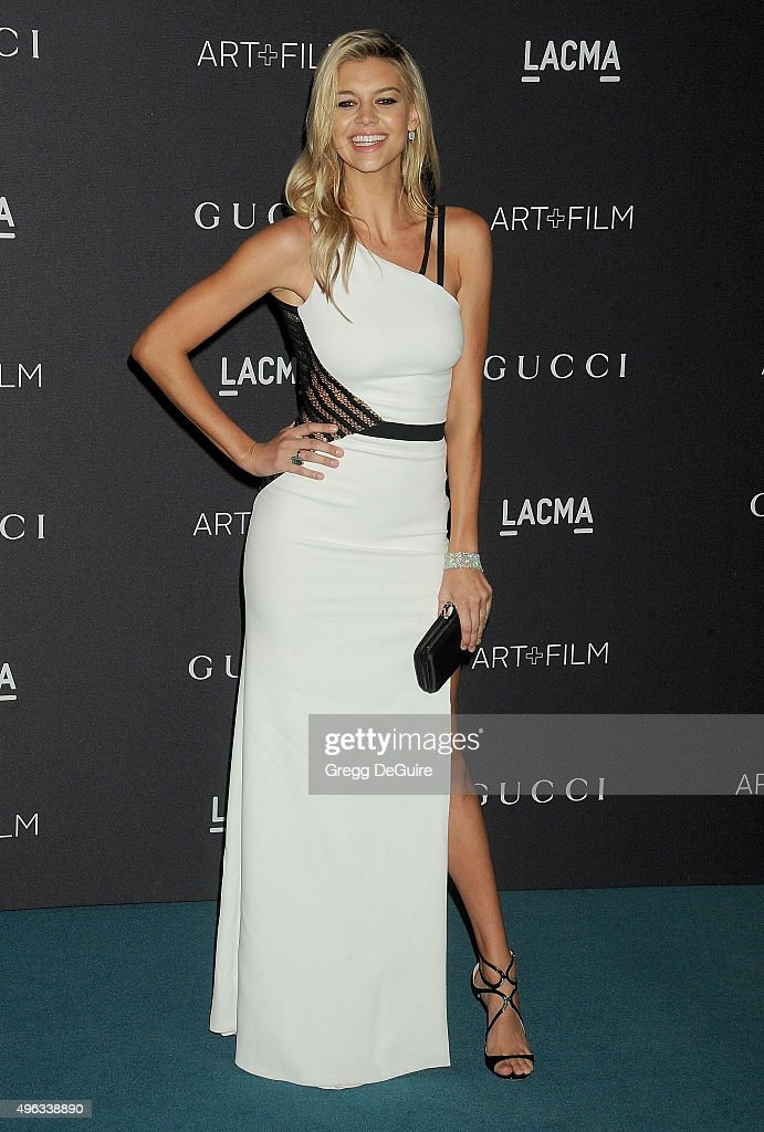 Kelly Rohrbach arrives at the LACMA 2015 Art+Film Gala Honoring James Turrell And Alejandro G Inarritu, Presented By Gucci at LACMA on November 7, 2015 in Los Angeles, California.