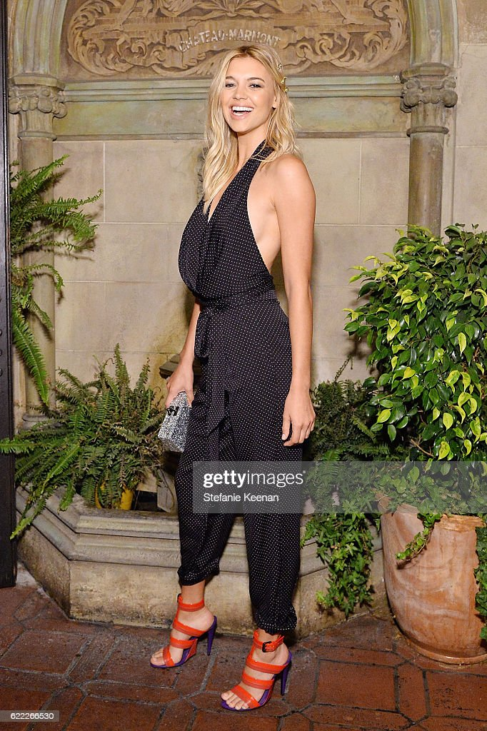 Kelly Rohrbach attends Lisa Love Hosts Dinner For Jonathan Saunders, New Chief Creative Officer Of Diane Von Furstenberg at Chateau Marmont on November 10, 2016 in Los Angeles, California.