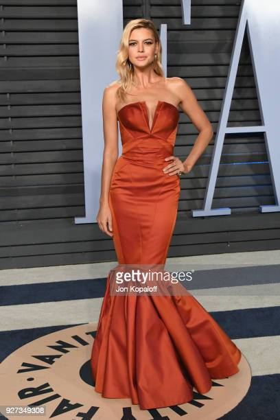 Kelly Rohrbach attends the 2018 Vanity Fair Oscar Party hosted by Radhika Jones at Wallis Annenberg Center for the Performing Arts on March 4 2018 in...
