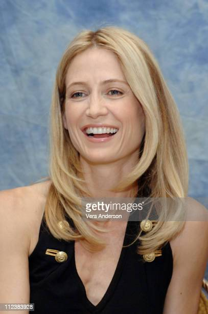 Kelly Rowan during The OC Press Conference with Mischa Barton Rachel Bilson Adam Brody Ben McKenzie Peter Gallagher Kelly Rowan and Melinda Clarke at...