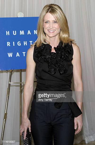Kelly Rowan during Voices for Justice 2004 Human Rights Watch Annual Dinner at Beverly Hilton Hotel in Beverly Hills California United States