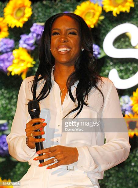Kelly Rowland appears at the Claritin and Boys Girls Clubs of America event at PS 64 on March 21 2016 in New York City