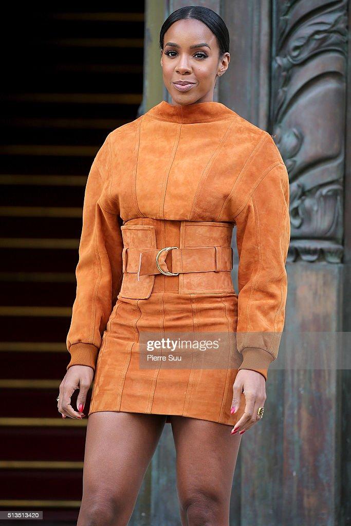 Balmain : Outside Arrivals - Paris Fashion Week Womenswear Fall/Winter 2016/2017