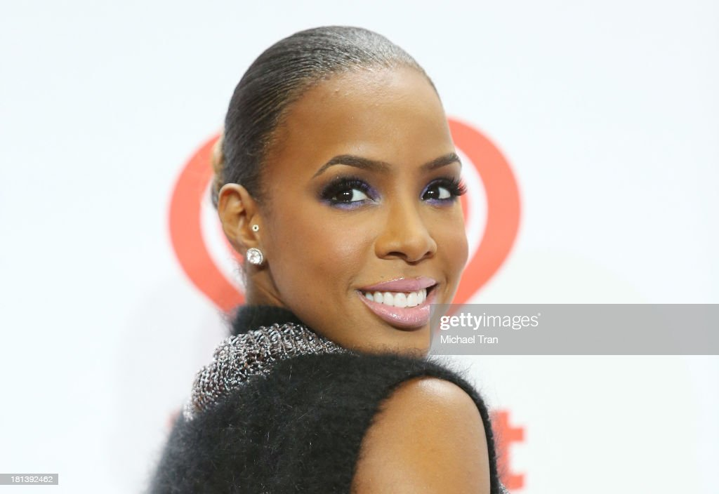 Kelly Rowland arrives at the iHeartRadio Music Festival - press room held at MGM Grand Arena on September 20, 2013 in Las Vegas, Nevada.