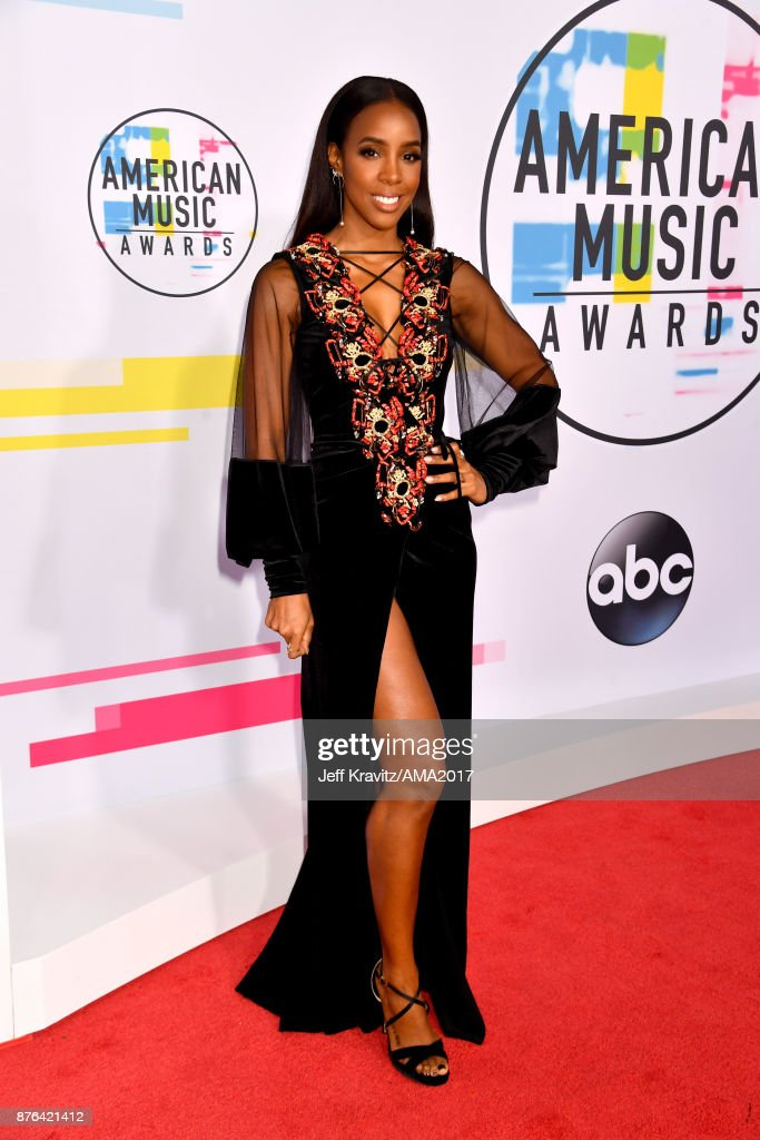 Kelly Rowland attends the 2017 American Music Awards at Microsoft Theater on November 19, 2017 in Los Angeles, California.