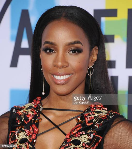 Kelly Rowland attends the 2017 American Music Awards at Microsoft Theater on November 19 2017 in Los Angeles California