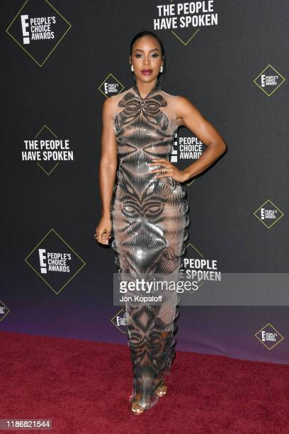 Kelly Rowland attends the 2019 E People's Choice Awards at Barker Hangar on November 10 2019 in Santa Monica California