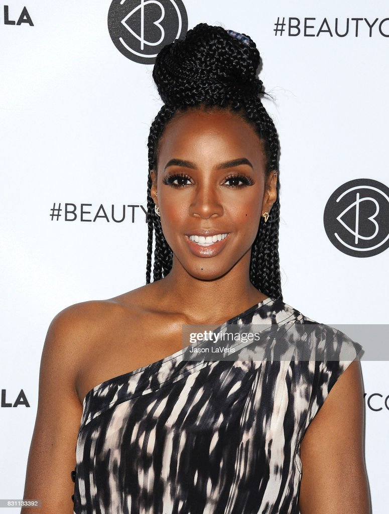 Kelly Rowland attends the 5th annual Beautycon festival at Los Angeles Convention Center on August 13, 2017 in Los Angeles, California.
