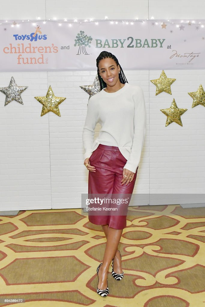 Kelly Rowland attends The Baby2Baby Holiday Party presented by Toys'R'Us at Montage Beverly Hills at Montage Beverly Hills on December 17, 2017 in Beverly Hills, California.