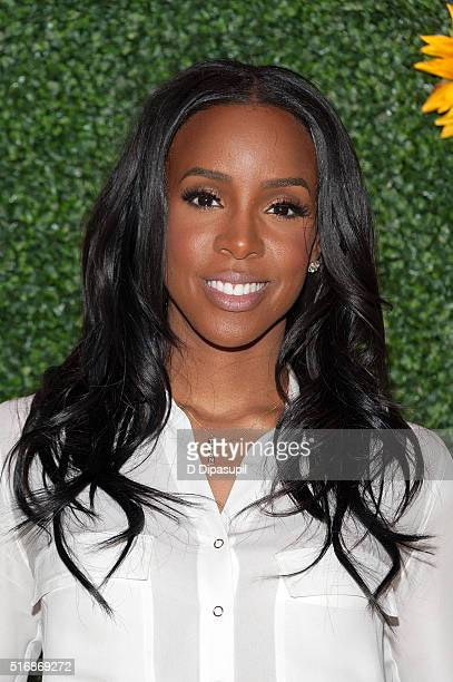 Kelly Rowland hosted by Claritin and the Boys Girls Clubs of America visits PS 64 on March 21 2016 in New York City