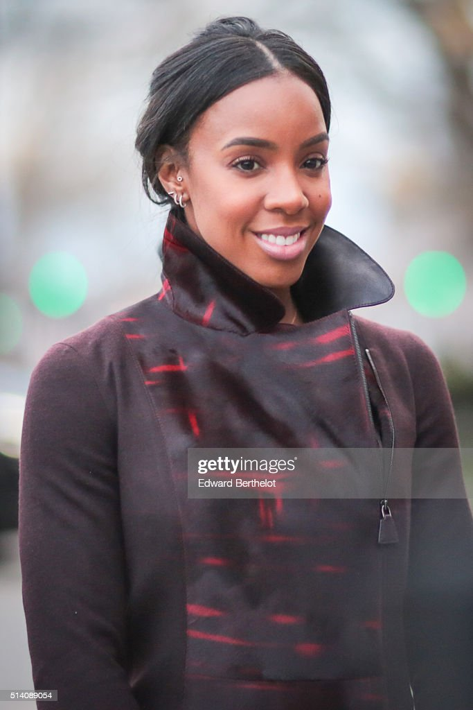 Kelly Rowland is seen, after the Akris show, during Paris Fashion Week, Womenswear Fall Winter 2016/2017, on March 6, 2016 in Paris, France.