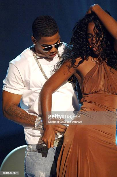 Kelly Rowland of Destiny's Child performs Cater 2 U with Nelly