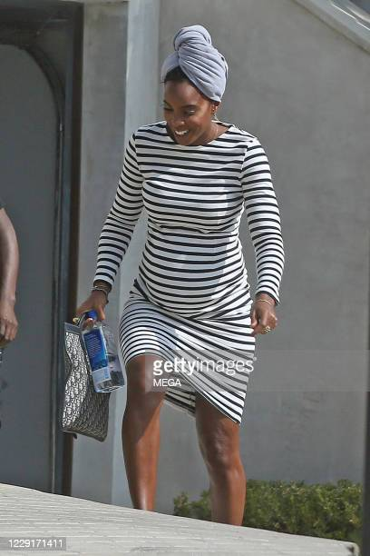 Kelly Rowland shows off her baby bump while visiting a friendon October 19, 2020 in Los Angeles, California. (Photo by P & P/MEGA/GC Images